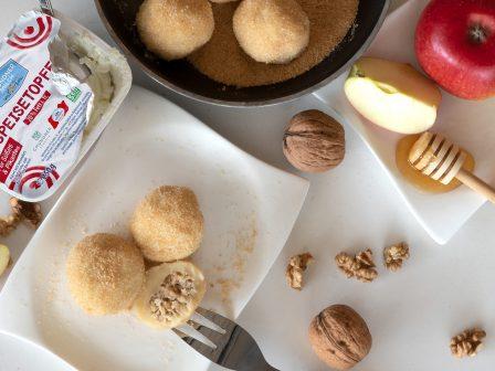 Apfel-Walnuss-Knödel-mit-Butterbrösel_GmundnerMilch