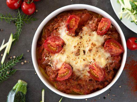 Kartoffelauflauf-mit-Tomaten-und-Faschiertem_GmundnerMilch